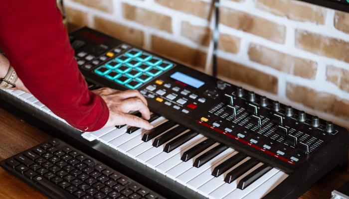 Audio Service: Keyboard spielen