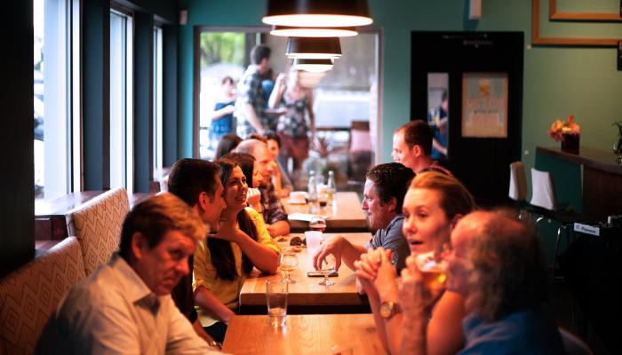 Hansaton: Voll besetzte Tische in einem Restaurant