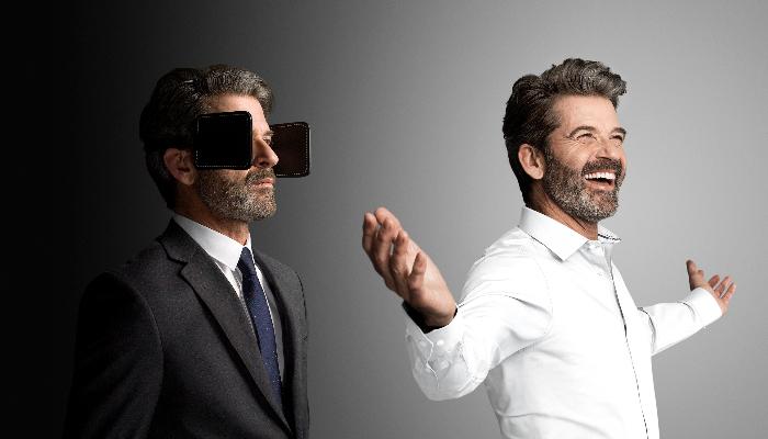 Oticon: Links ein Mann mit Scheuklappen, rechts ein Mann mit offenen Ohren