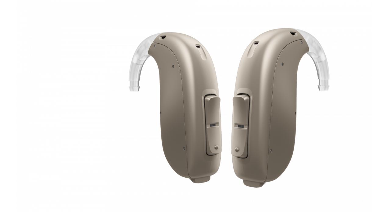 Oticon: Zwei Hinter-dem-Ohr-Geräte nebeneinander