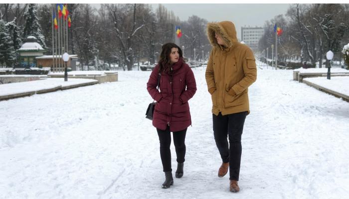 Philips: Spaziergang im Schnee zu zweit