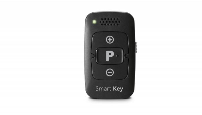 Signia: Kleine schwarze Fernbedienung für Hörgeräte (Smart Key)