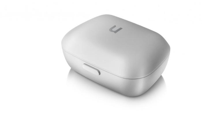 Unitron: Geschlossenes Ladegerät und Etui für Hörgeräte