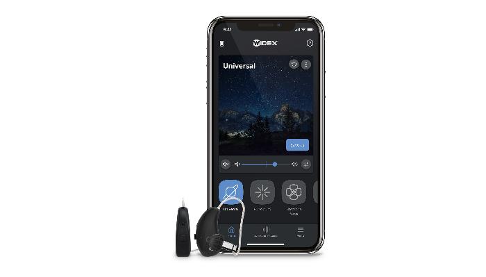 Widex: Handy mit Moment App und Hörgerät