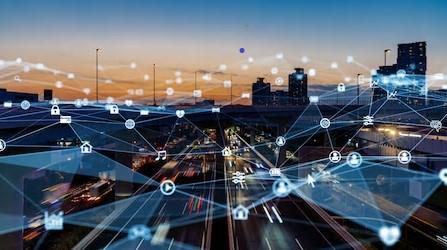 Mit Hilfe künstlicher Intelligenz werden Informationen aus verschiedenen Datenbanken vernetzt.