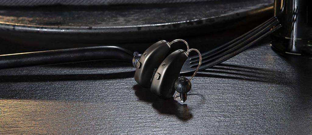 Widex Moment Hörgeräte in schwarz